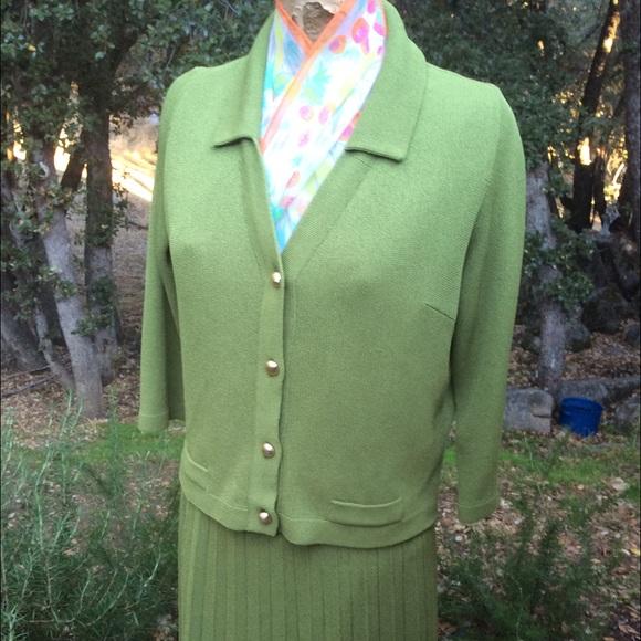 Vintage Dresses & Skirts - Vintage FALL1970 Flat Knit Pleated Skirt Suit Set